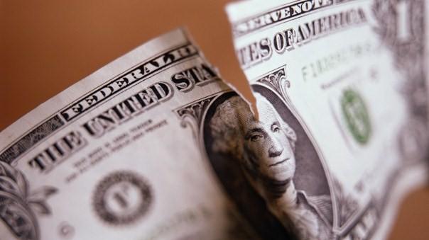 Крах рубля убьёт доллар
